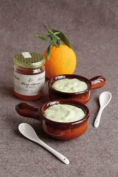 crema pasticcera o pasticciera crema pasticcera all arancia una variante al miele per natale e non solo