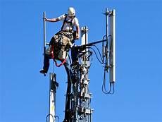 Installateurs Antennes Tv 4g En Juin Free Mobile Met Les Bouch 233 Es Doubles Et