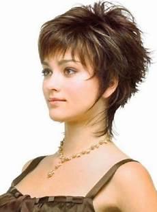 coupe courte cheveux ondulés coupe courte pour cheveux fins