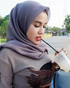 Fokus Aja Keminum Nya Jilbab Cantik Gaya