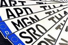 neues auto kennzeichen behalten autokennzeichen alle deutschen kfz kennzeichen autobild de