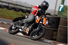 ktm 125 duke 2011 2016 review speed specs prices mcn