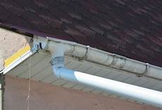 Regnen Sie Gossensystem Auf Ihrem Haus Ist Entworfen