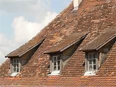 fenetre de toit prix quel mat 233 riau devez vous choisir pour une fen 234 tre de toit