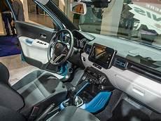 Innenraum Des Suzuki Ignis Sitzprobe Auf Der