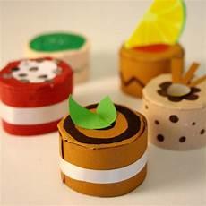 in cucina con i bambini giocare in cucina con i bambini come fare gustosi