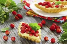 ricette con crema pasticcera liquida barchette con crema pasticcera e fragoline ricette di checucino it