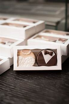 unique edible wedding favor ideas 20 unique edible wedding favor ideas emmalovesweddings