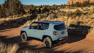 2015 Jeep Renegade Trailhawk  Rear HD Wallpaper 17