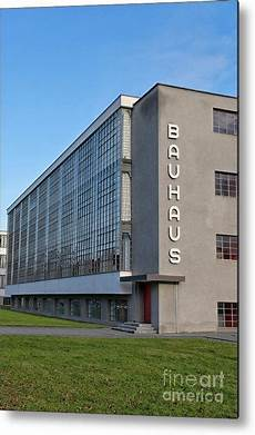 bauhaus school by walter gropius in dessau germany metal