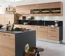 küche mit holz stilvolle k 252 che in holzoptik k 252 chen in 2019 kitchen