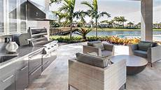outdoor kitchens that will make your water