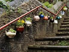 Gartendeko Selber Bauen - gartendeko basteln blument 246 pfe neben die treppen aufh 228 ngen