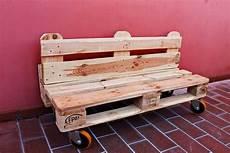 divanetti fai da te panchina di bancali faidate tutorial divano di pallet