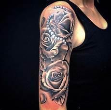 tattoovorlagen arm frau perlenkette mit arm