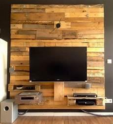 fernseher wand tv wand kalbe industry paletten designs holzwand tv