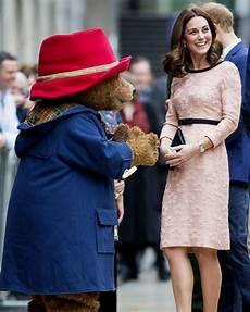 prinzessin kate schwanger princess kate dances with paddington in