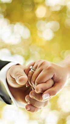 Gambar Pasangan Cincin Pernikahan Emas Apple Wallpaper