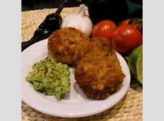 chipotle fish cakes with guacamole salsa_image
