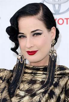 Dita Teese Isn T Aging She S Getting Awesomer