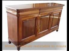 credenze in legno classiche credenza madia credenze classiche in stile antico in legno