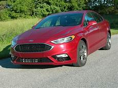 Ford Fusion Hybrid Configurations by Ford S 2017 Fusion Sedan Can Be Configured In Any Of Six