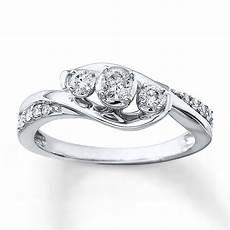 3 stone diamond ring 1 3 ct tw round cut 10k white gold