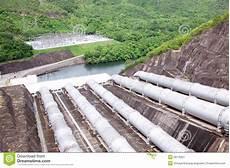 conduite d eau de centrale hydraulique image stock image