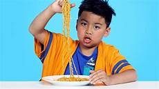 spicy noodle challenge kids try hiho kids youtube