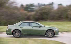 Comparison  Chrysler 300 Touring L 2018 Vs Cadillac