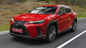 Lexus UX To Get Apple CarPlay Android Auto This Year As