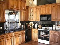 Kitchen Backsplash Ideas With Birch Cabinets by Like The Finish On These Birch Cabinets Home Ideas
