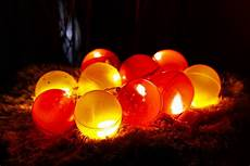 beleuchtete weihnachtskugeln beleuchtete weihnachtskugeln diy 4u
