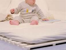lit au sol lit au sol coin lecture enfants et chambre