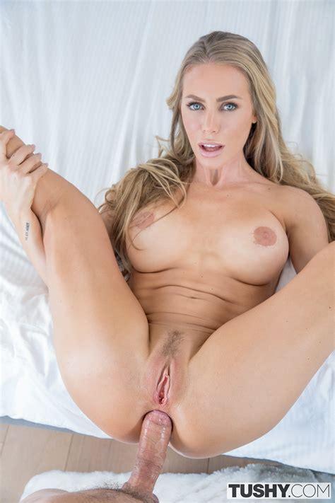 Nicole Aniston Naked