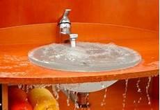 waschbecken überlauf reinigen waschbecken 220 berlauf reinigen 187 anleitung in 3 schritten