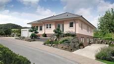 fingerhut bungalow mit keller farbig verputzt mit