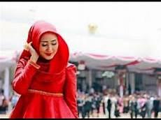 30 Model Jilbab Dian Pelangi Wisuda Model Terbaru