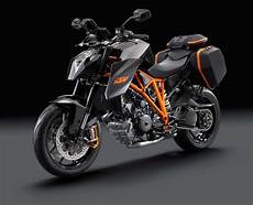 The Genesis Of The Ktm 1290 Duke R Asphalt