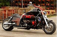2 000cc の単気筒エンジンを持つバイク 耳 ミミ とチャッピの布団 楽天ブログ