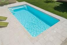 piscine coque grise piscine coque polyester 7x3 grise 224 fond plat avec escalier d angle et banquette r 233 alis 233 e 224
