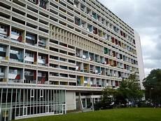 Le Corbusier Haus Olympiastadion Studentin In