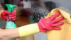 fensterputzen leicht gemacht wie sie h 228 ufige fehler vermeiden