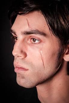 Narben Im Gesicht - narbe schminken mit collodium maskworld