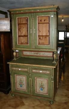 credenze vecchie mobili dipinti armadi cassettoni madie comodini