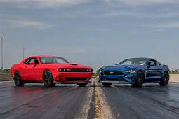 Dodge Challenger R/T Scat Pack 1320 Vs Ford Mustang GT