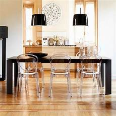 table et chaise transparente entretenir vos chaises en plexi 4 pieds tables