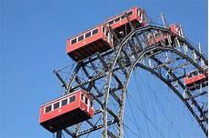 parken wien pariserhjul i den prater parken i wien arkivfoto bild av