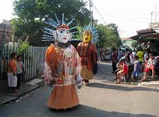 File Ondel Ondel Performance In Jakarta 2 Jpg