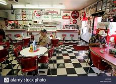 American Diner Einrichtung - us williams twisters a diner in fifties style along the
